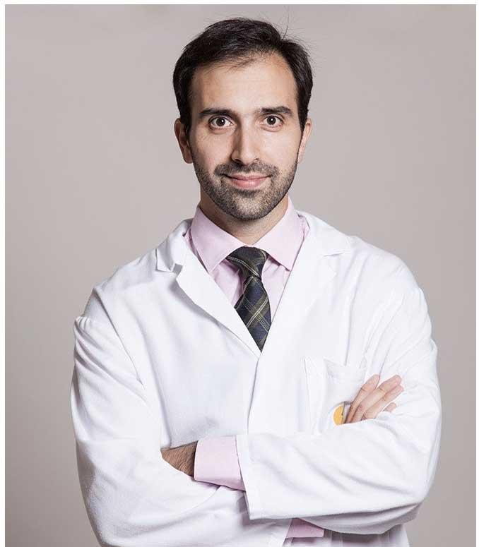 Dr. Juan Cabello - Traumatólogo infantil